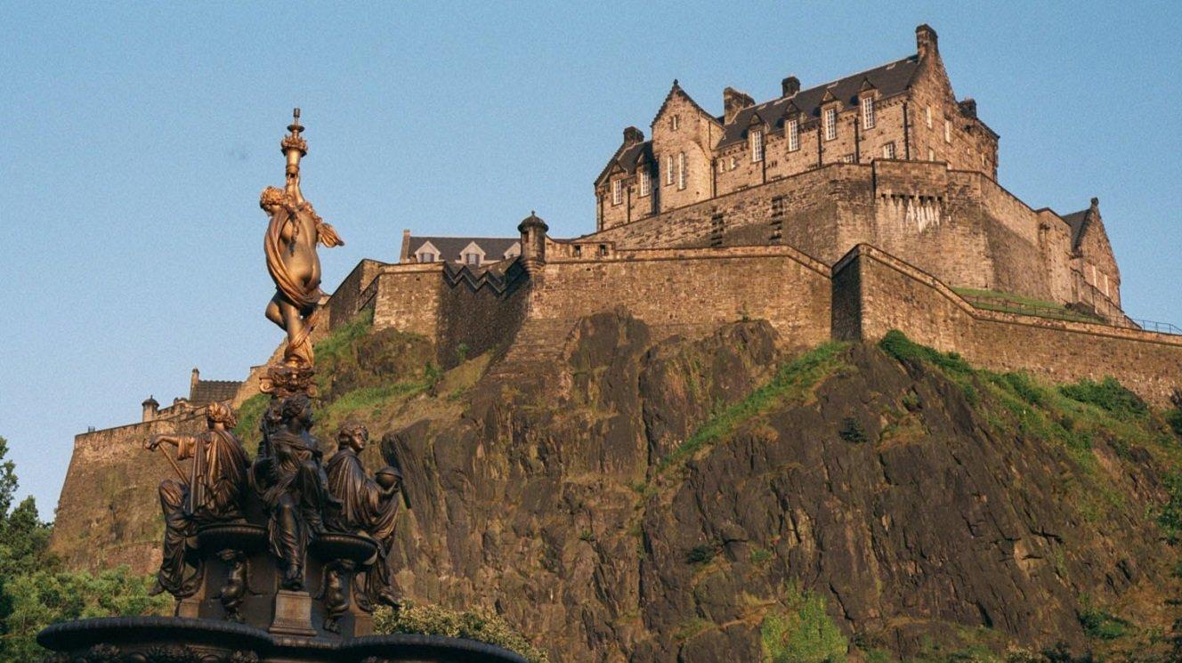 Edinburgh Castle Skyline